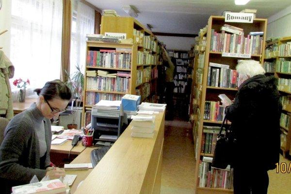 Mestská knižnica v Želiezovciach.