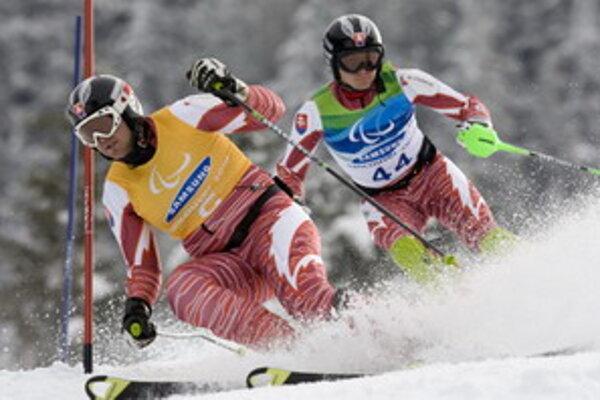Jakub Krako spolu s navádzačom Jurajom Mederom vo Vancouveri na paralympijských hrách.