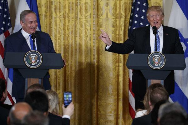 Izraelský premiér Benjamin Netanjahu (vľavo) a americký prezident Donald Trump.