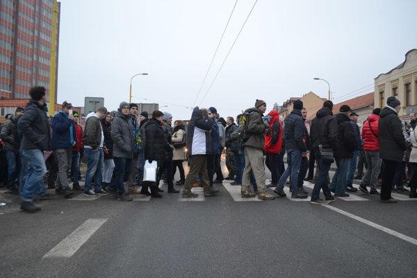 Protest. Zablokoval dopravu na hlavnom ťahu.