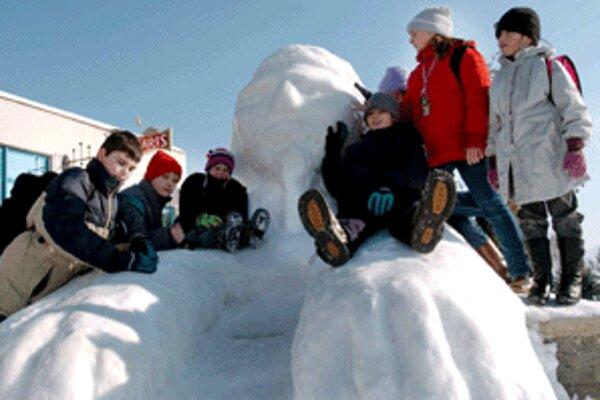 Pred pár rokmi postavili deti v Kanianke obrovskú sfingu.