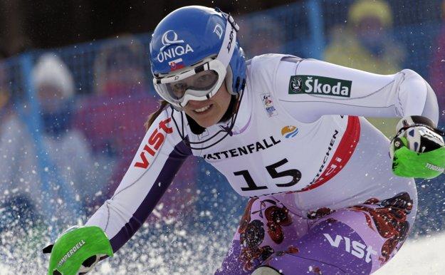 Veronika Zuzulová počas slalomovej jazdy na MS 2011 v Garmisch-Partenkirchene.