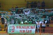 Skalicu prišiel do Topoľčian podporiť aj početný fanklub.