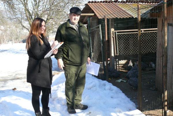 Preventívne opatrenia, ktoré nariadili úrady, sa týkajú aj chovateľov v Podhradí.