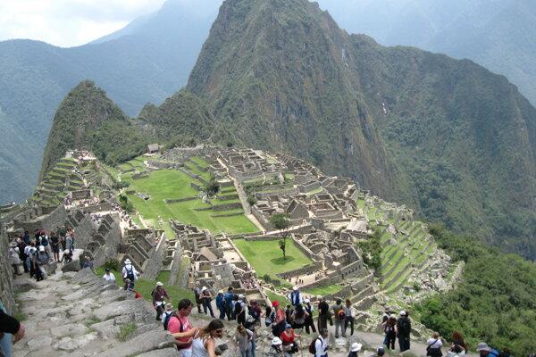 Obmedzenia má aj Machu Picchu, často ho však nedodržujú.