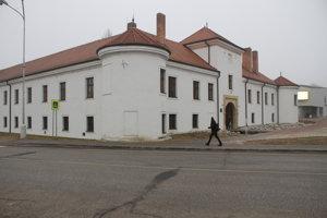 V súčastnosti sídli v kaštieli archív.