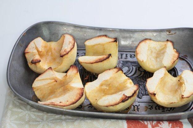 Jelenie stehno v zelerovo-jablkovej kaši
