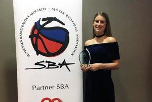 Nikola Kováčiková s cenou pre dievčenský talent roka 2016.
