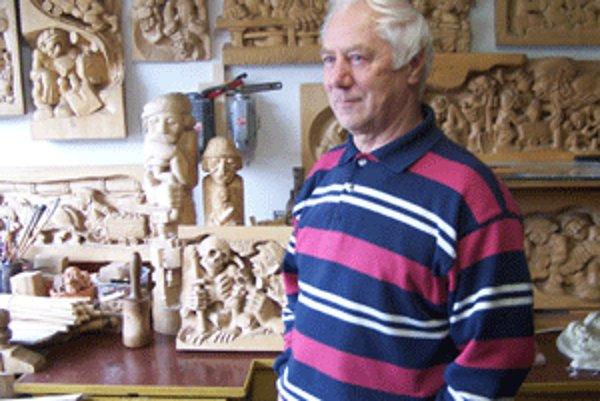 Ján Procner sa dnes venuje rezbárstvu, tridsať rokov však odpracoval v bani.
