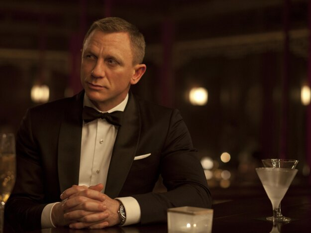 Daniel Craig ako James Bond.