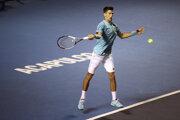 Novak Djokovič sa na kurty vrátil po prehre v druhom kole na Australian Open. V Acapulcu vyhral nad Martinom Kližanom 6:3 a 7:6.