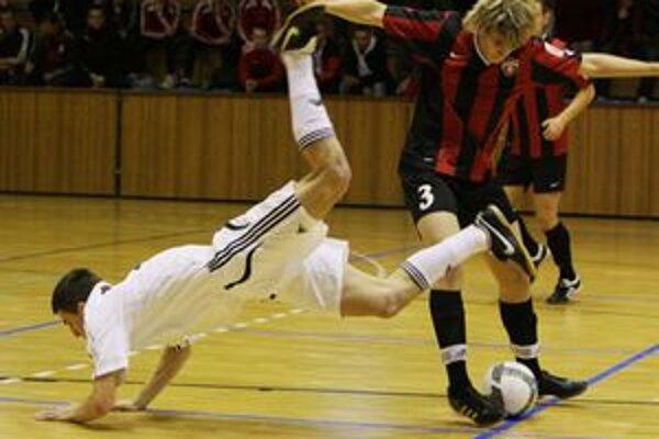 Prievidza nebola ďaleko od postupu do finále turnaja, v semifinále prehrala o jediný gól s Trnavou.