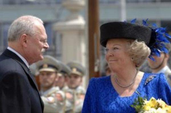 Prezident Ivan Gašparovič s jej veličenstvom kráľovnou Beatrix.