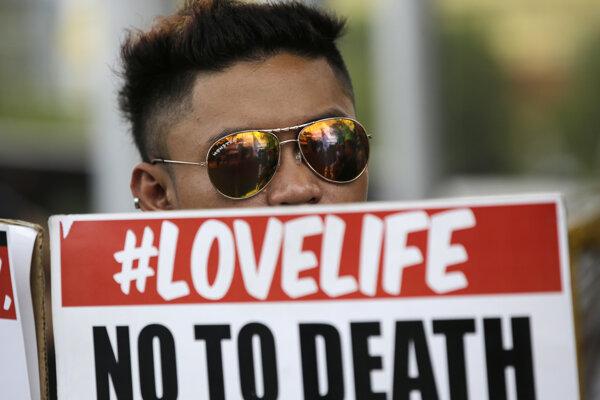 Filipínčania proti trestu protestovali.