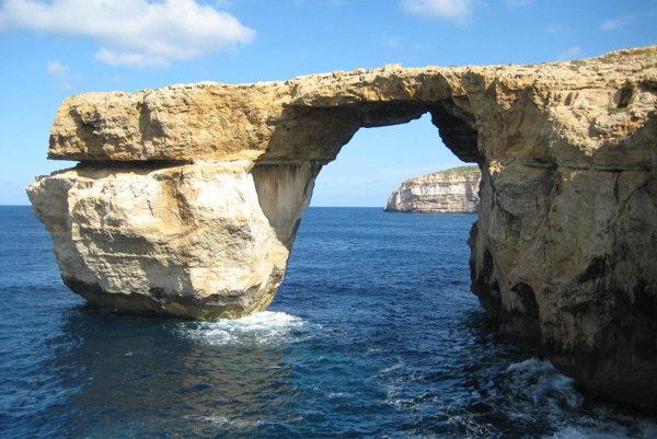 Azúrové okno na Malte.