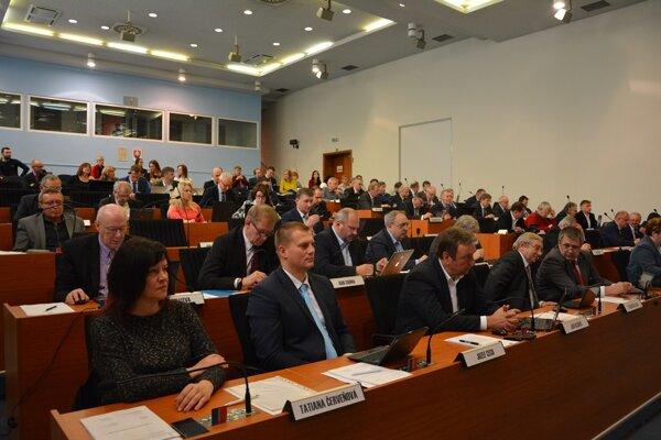 Zastupiteľstvo Žilinského samosprávneho kraja (ŽSK) schválilo v pondelok 6. marca prvú úpravu rozpočtu.