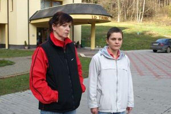 Martina (vpravo) a Ingrid prišli v Bojniciach rukou zlodeja o všetky veci.