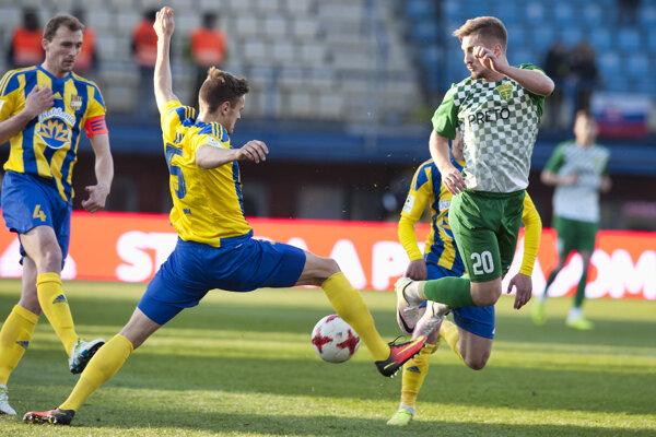 Diváci videli na Žitnom ostrove výborný futbal.