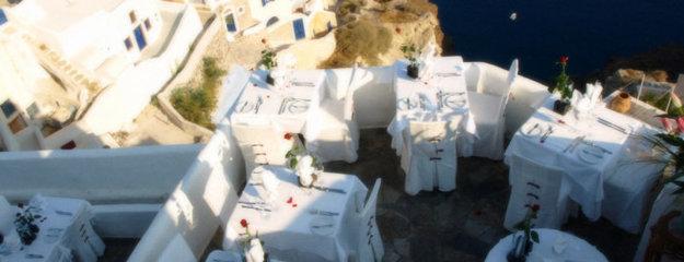 Terasa reštaurácie Ambrosia na Santorini.