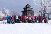 Tohtoročnú turistickú sezónu začali výstupom na vrch Sitno.
