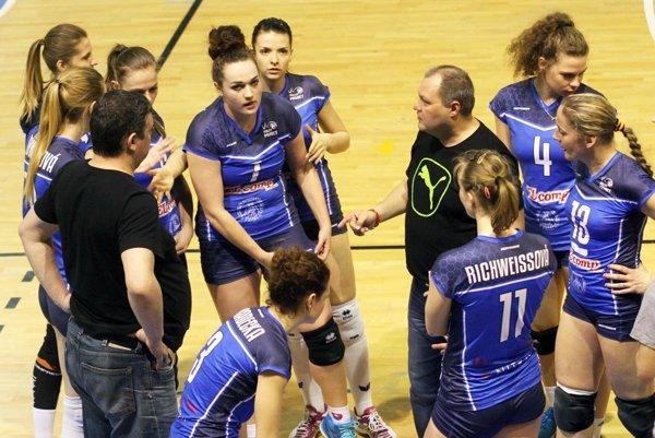 Súperkami UKF v prvom kole play-off budú hráčky Pezinka. Favoritkami série sú Nitrianky.
