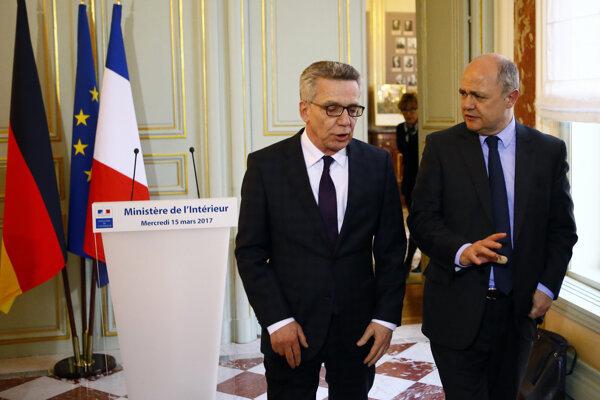Stretnutie francúzskeho ministra vnútra Bruna Le Rouxe so šéfom nemeckého spolkového ministerstva vnútra Thomasom de Maiziereom.