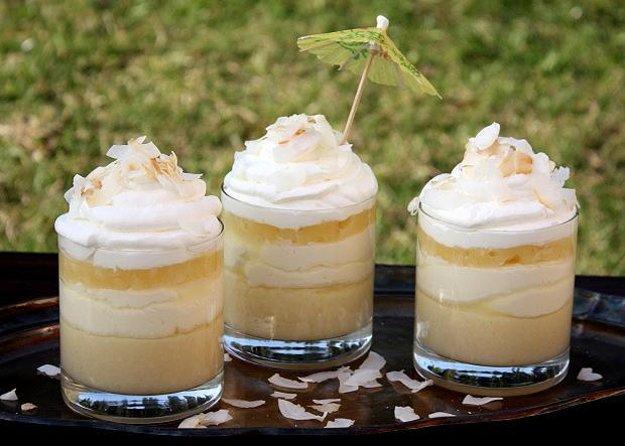 Kokosovo-ananásový pohár