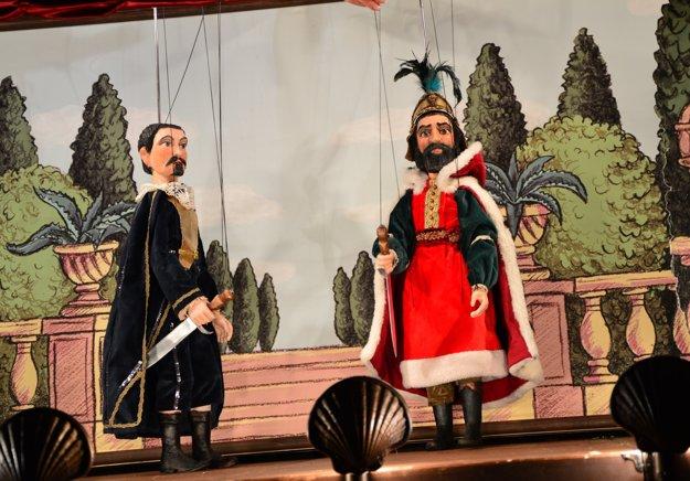 Záber z bábkového predstavenia Don Šajn, ktorého so svojím Tyjátrom Ivan Gontko uviedol na festivale v Agrigente.