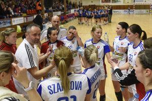 Slovenské hádzanárky v druhom zápase neuspeli.