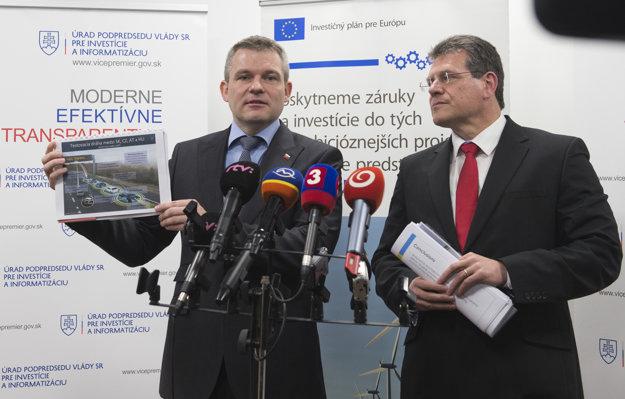 Podpredseda vlády SR pre investície a informatizáciu Peter Pellegrini a podpredseda Európskej komisie Maroš Šefčovič.
