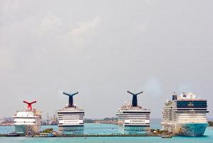 Plavba loďou so sprievodcom alebo bez? Ako si vhodne vybrať?