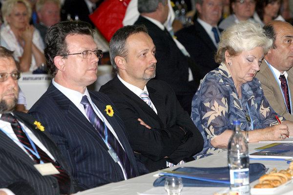 Na republikovom sneme HZDS v roku 2007 sa stretli Štefan Harabin, Ivan Lexa aj Katarína Tóthová.