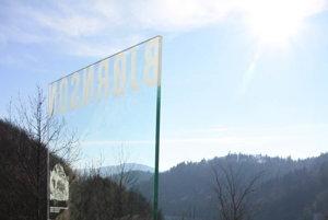Pamätník na Ružíne. Odhalili ho na sté výročie úmrtia spisovateľa.