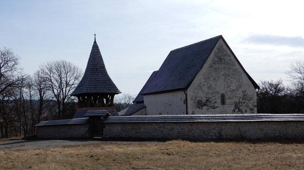 Evanjelický ranogotický kostol zo 14. storočia v obci Kraskovo v okrese Rimavská Sobota.