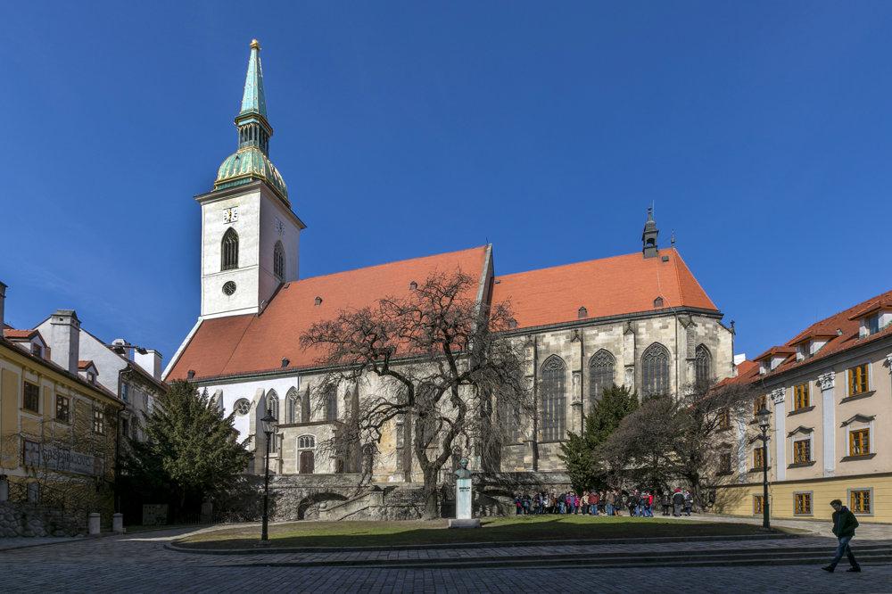 Na snímke Dóm sv. Martina v Bratislave.