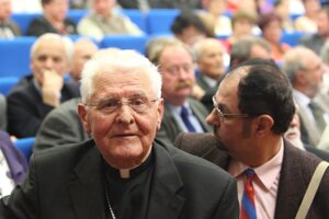 Arcibiskup Ján Sokol.