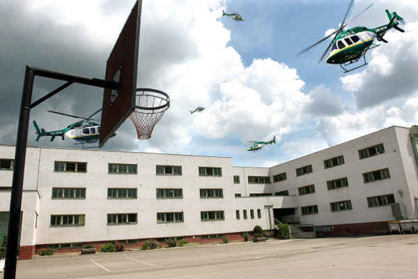 Všetky cely v ústave boli prázdne. Policajné vrtuľníky s termovíziou lietali po okolí márne.