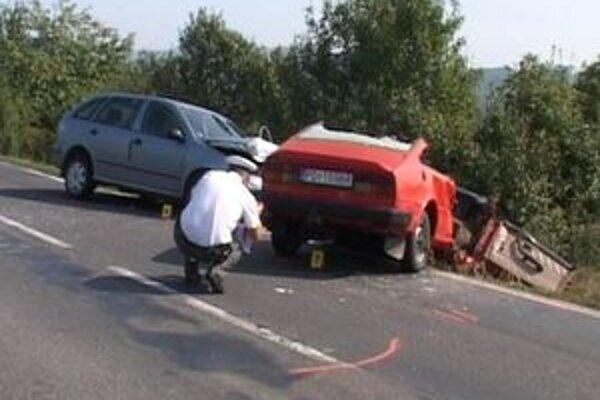 Autá ostali po nehode úplne zdemolované.