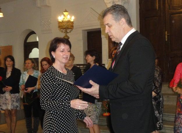 Cenu dostala aj Denisa Rausová, učiteľka v materskej škole na Čajkovského ulici.
