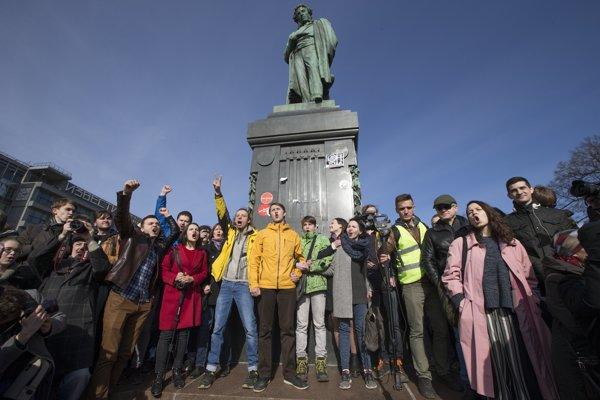 Nedeľňajšie protesty boli najväčším koordinovaným prejavom nespokojnosti v Rusku od demonštrácií z rokov 2011-2012.