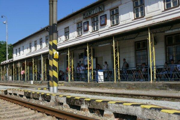 Po rekonštrukcii stanice volajú Martinčania už roky. Konečne boli vypočutí.