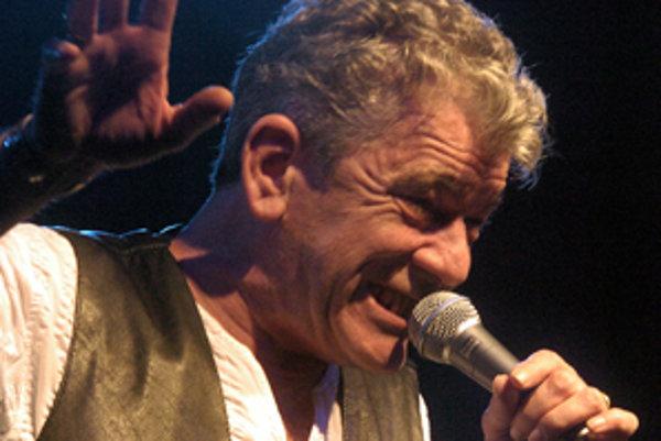 Spevák kapely Nazareth Dan McCafferty.