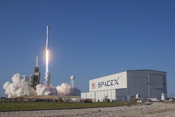 Vzlet prvej recyklovanej rakety Falcon 9 od spoločnsoti SpaceX.