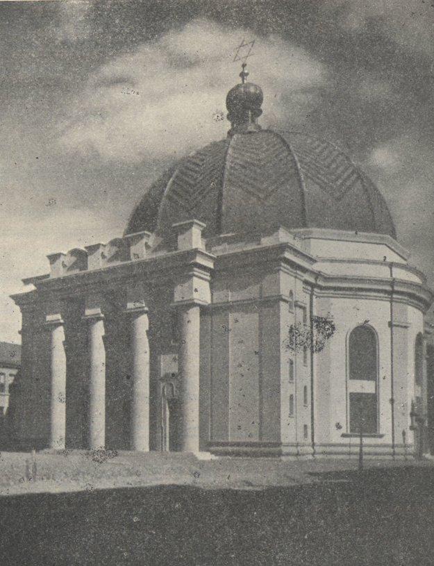 Neologická synagóga v r. 1932.
