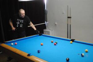 Bilardový turnaj, na snímke Š. Hudák.