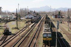 Železnica sa v Liptovskomikulášskom okrese prekladať nateraz nebude. Kedy k nej dôjde, je otázne. Tak skoro k prekládke nedôjde.