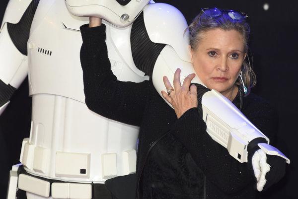 Carrie Fisher pred premiérou filmu Sila sa prebúdza v decembri 2015.