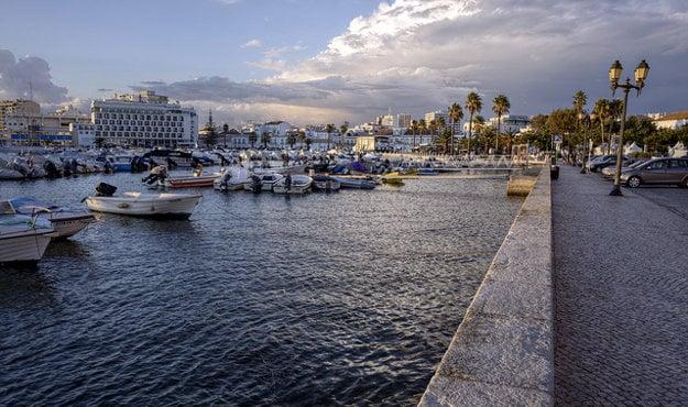 Hlavným mestom Algarve je Faro.