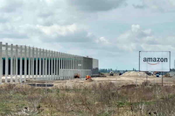 Budúce logistické centrum firmy Amazon pri Seredi.