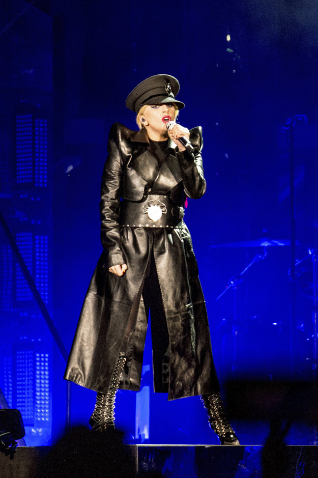 Lady Gaga počas vystúpenia na festivale Coachella 2017